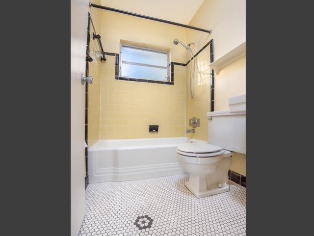 1240-Arlington---Bathroom