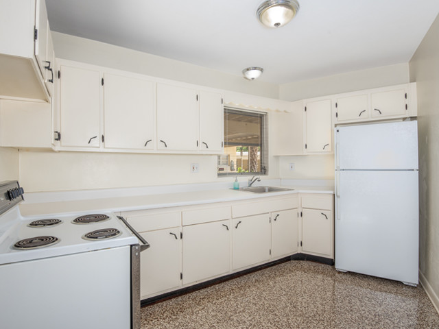 1240 Arlington - KItchen 2