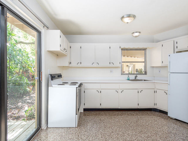 1240 Arlington - KItchen