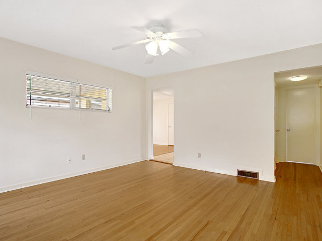1461-living-room-from-front